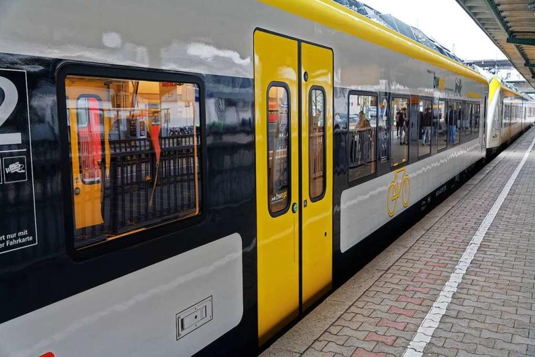 In einer S-Bahn Richtung Denzlingen so...ästigt und bedroht haben (Symbolbild).  | Foto: Martin Wendel