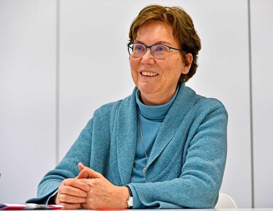 Die Theologin und Pädagogin Karen Hinr...das neue Freiburger Friedensinstitut.   | Foto: Michael Bamberger