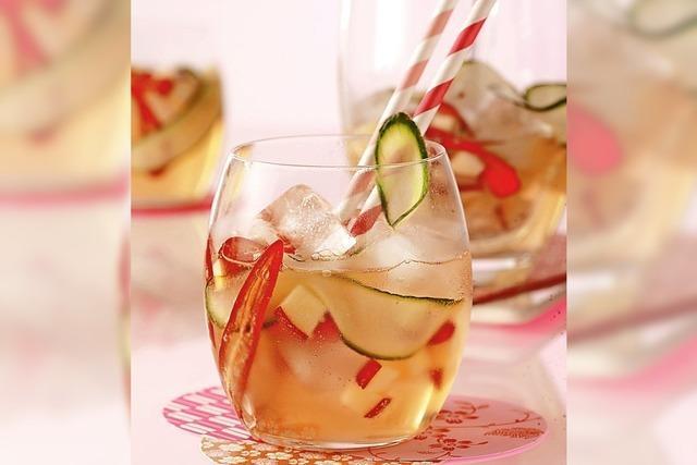 Mit Tee und Gewürzen abgeschmeckt werden Fruchtsäfte ein Geschmackserlebnis