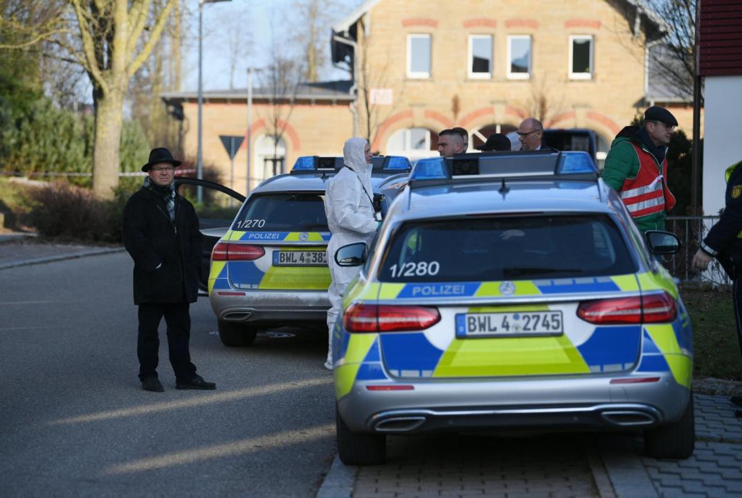 Der Polizeieinsatz in Rot am See  | Foto: Sebastian Gollnow (dpa)
