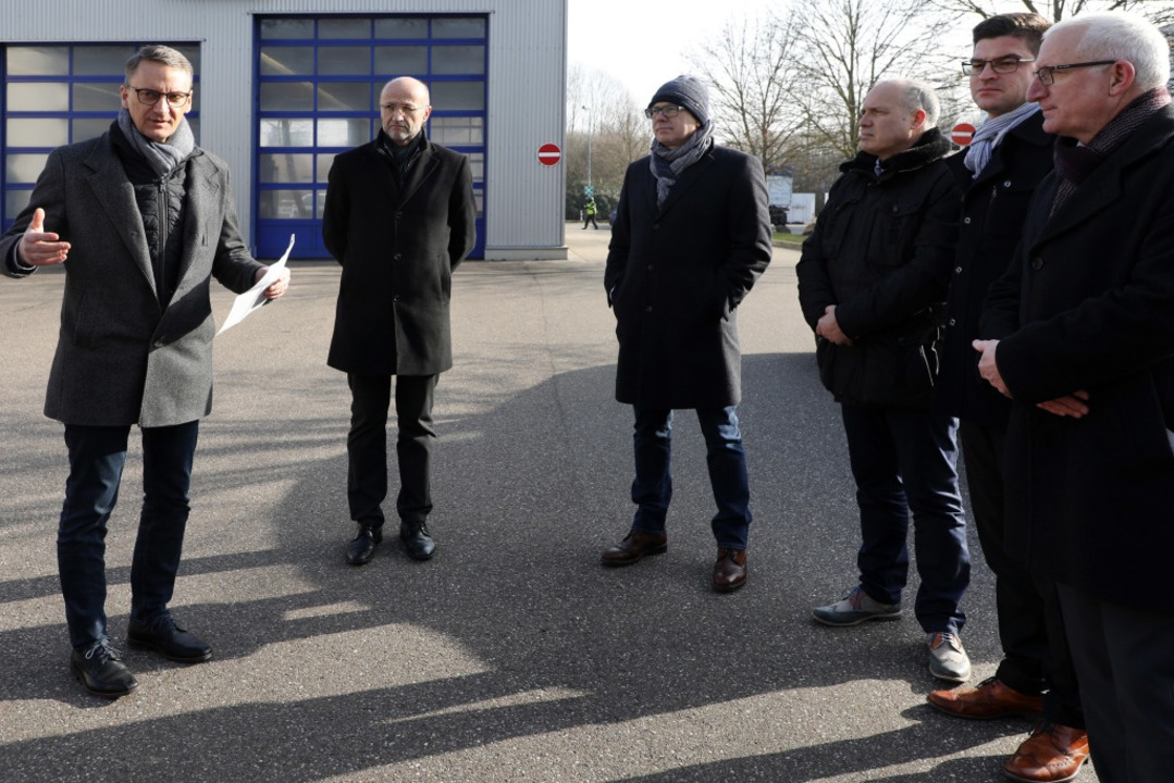 Gespräch im Industriegebiet West (von ...ter (IGZ) und Friedrich Arz (Vodafone)  | Foto: Christoph Breithaupt