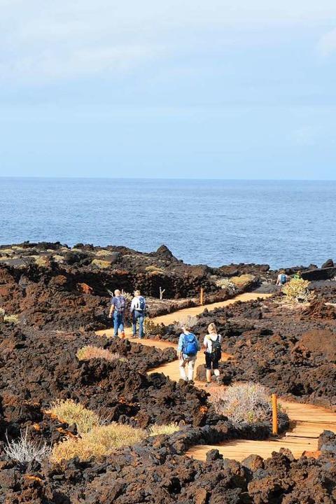 Küstenweg: Wandern mit  Aussicht  | Foto: Anita Fertl