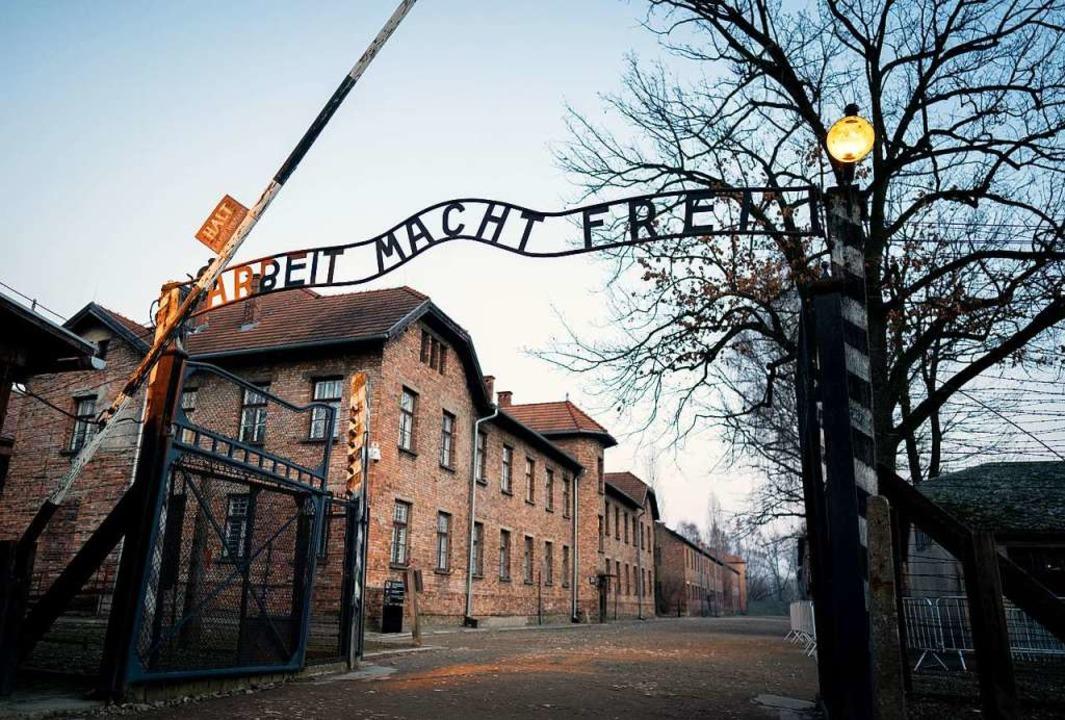 Der zynische Spruch über dem Tor des K...e, lebte meist nur noch wenige Monate.    Foto: Kay Nietfeld (dpa)