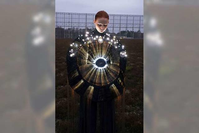Mode im Verhältnis zu neuen Technologien