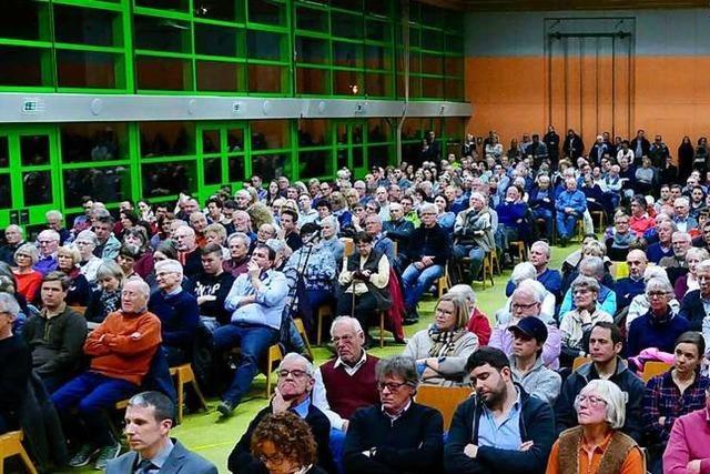 850 Bürger kommen zur Kandidatenvorstellung in Buchenbach