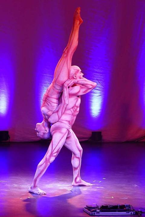 Das Duo La Vision zeigte bei der erste...chier unglaubliche Körperbeherrschung.  | Foto: Victoria Langelott
