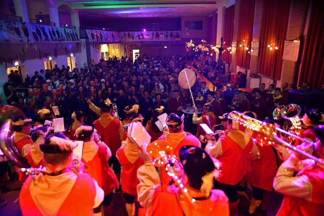 Der Musikverein Kappel sorgt für Stimmung  | Foto: Philippe Thines