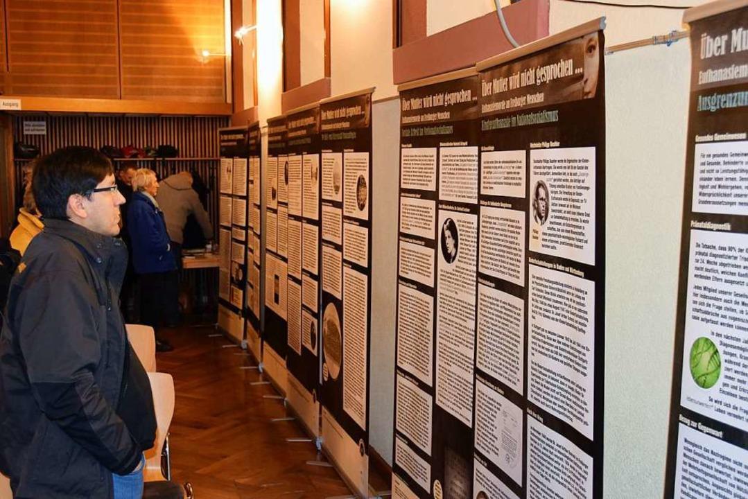 Eine Ausstellung der Freiburger Hilfsg...n Menschen aus Freiburg vor 80 Jahren.    Foto: Kai Kricheldorff