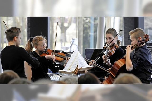 Musiktalente der Musikschale Lahr konzertieren im Audi Hangar