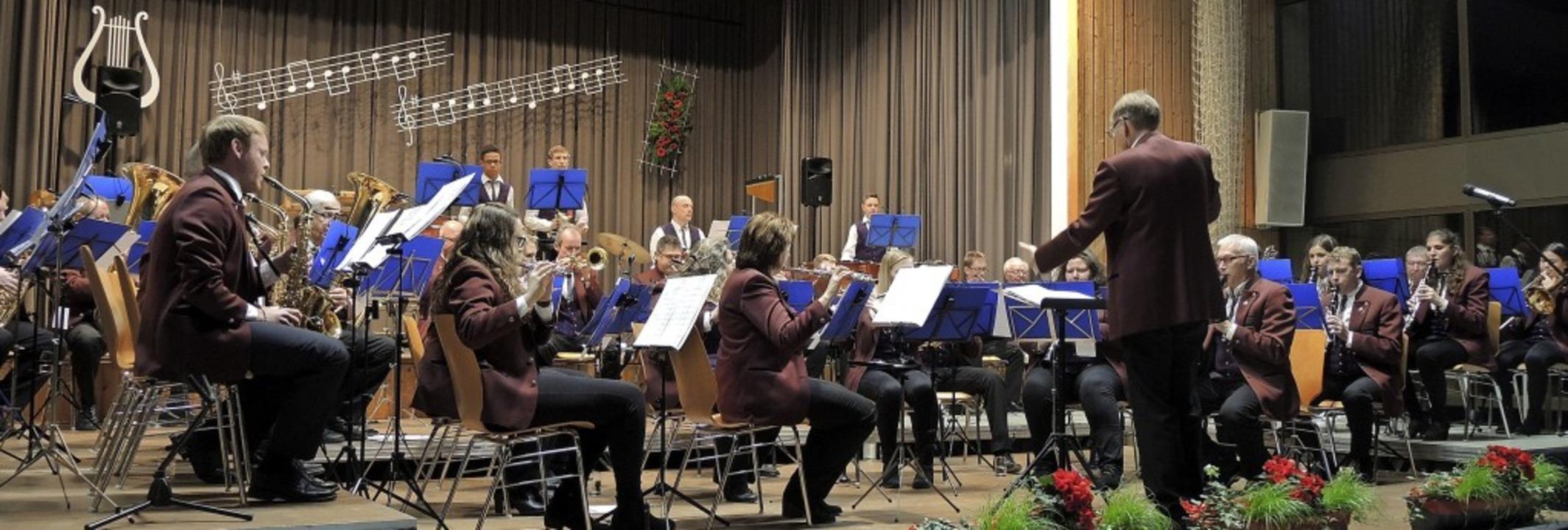 Der Musikverein Kiechlinsbergen begeis...Späth am Samstag in der Weinberghalle.  | Foto: Roland Vitt
