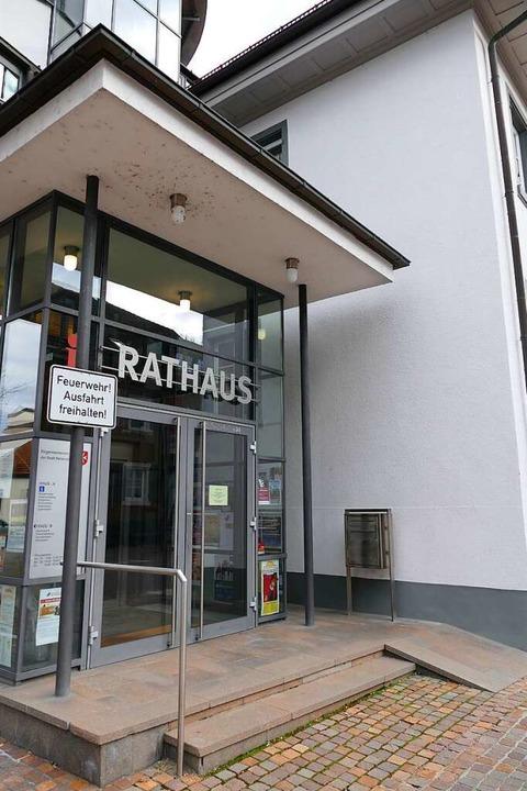 Hier wollen sie hin: Ins Rathaus von Heitersheim  | Foto: Sophia Hesser