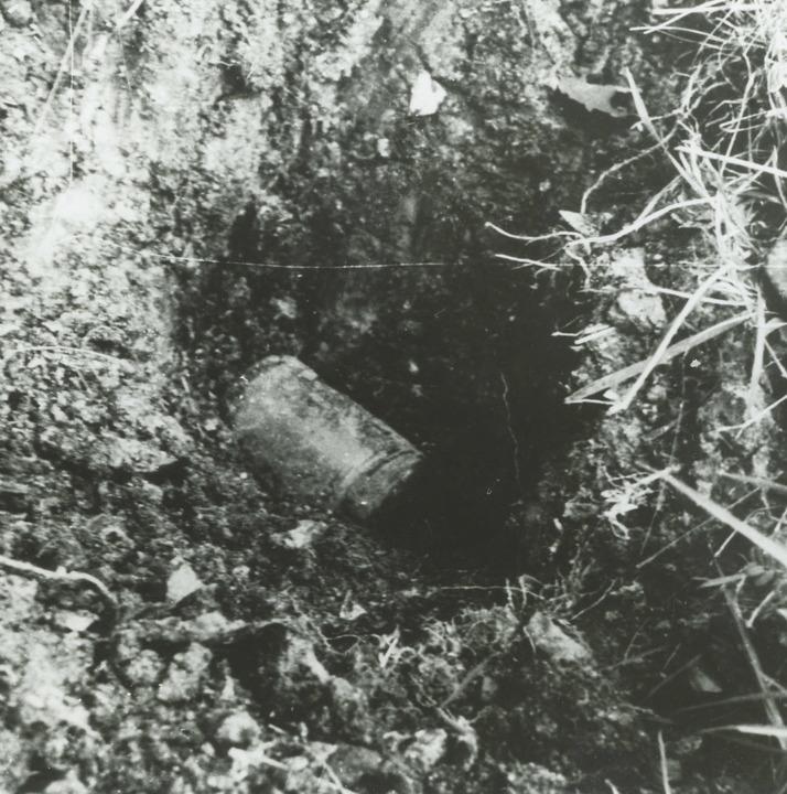 Der Erde anvertraut: Fundort eines der Dokumente in der Nähe eines Krematoriums