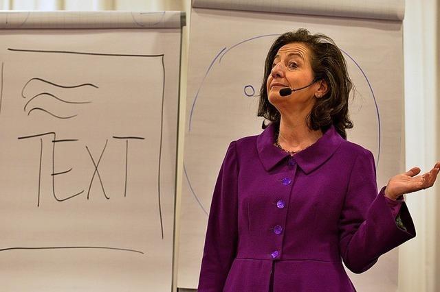 Ingrid Amon sprach beim BZ-Wissensforum über die Macht der Sprache