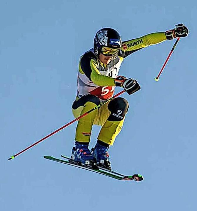 Hoch hinaus: Skicrosser Tobias Baur von der SZ Bernau     | Foto: privat