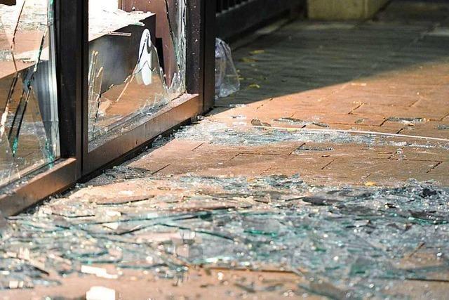 Fensterscheibe an einer Schule in Bad Säckingen eingeschlagen