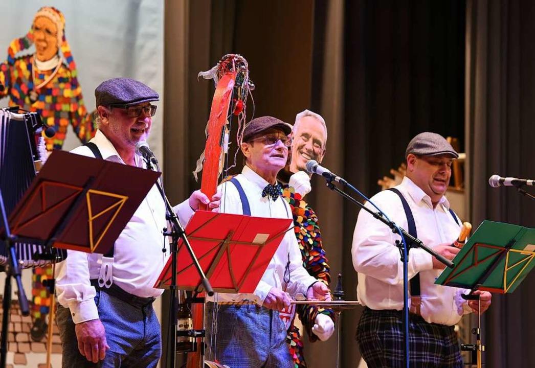Die Zwölf Halbe sangen ein Loblied auf Christian Streich.  | Foto: Rita Eggstein