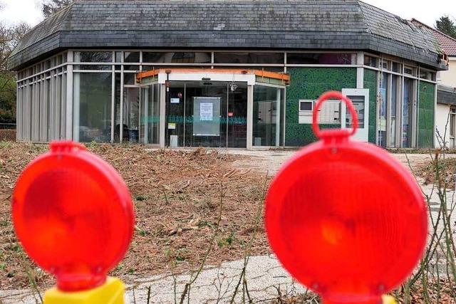 Bauarbeiten für das Hotel am Kurpark in Bad Krozingen haben begonnen