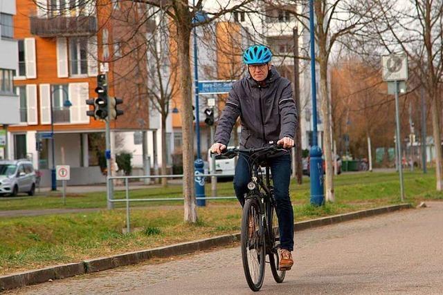Freiburger Radler stürzt in der Schweiz – und wandert zwei Nächte ins Gefängnis