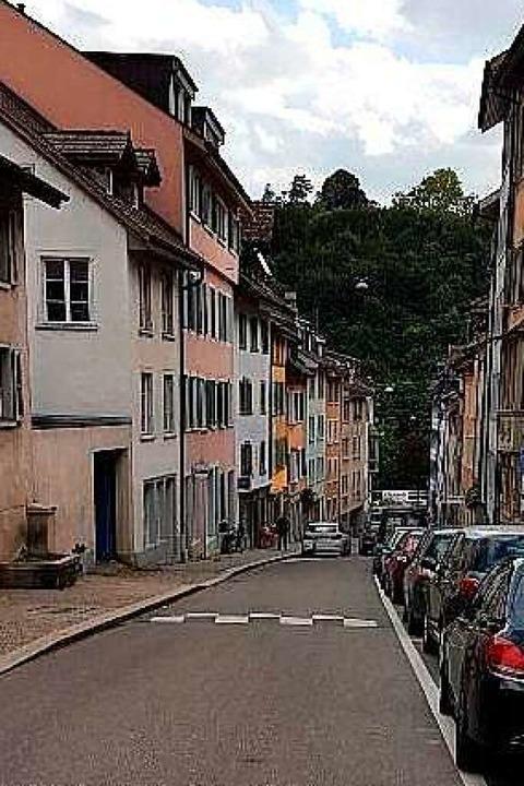 Trotzdem stürzte er im Sommer über die...schwelle in der Schaffhauser Altstadt.  | Foto: Sigi Suhr