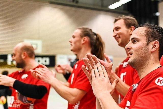 Die HSG Freiburg gewinnt das Südbadenliga-Derby gegen den TuS Oberhausen und holt wichtige Punkte im Abstiegskampf