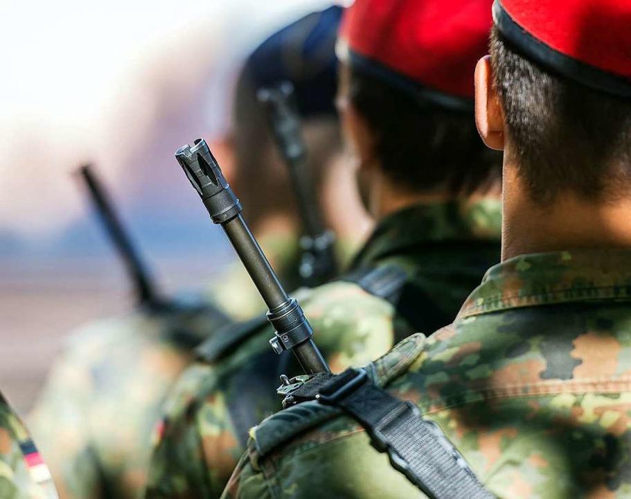 Der Militärische Abschirmdienst ermitt...wegen Verdachts auf Rechtsextremismus.  | Foto: Patrick Pleul