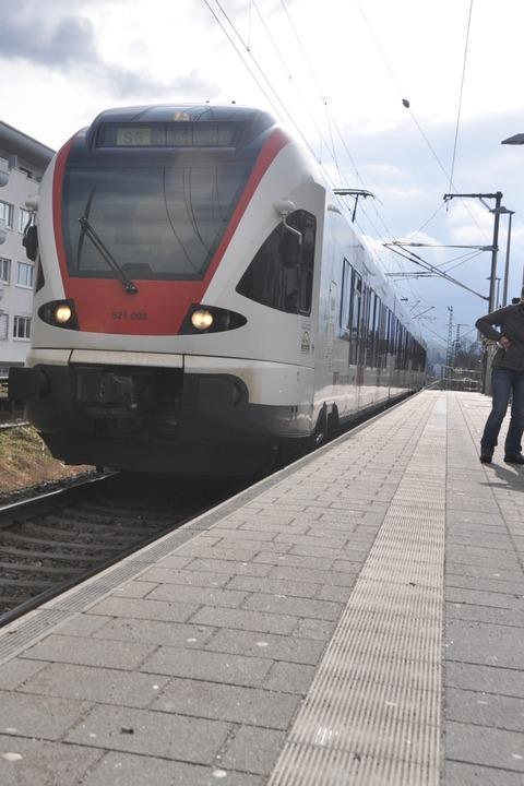 n Schopfheim war der Zugverkehr kurzzeitig unterbrochen (Symbolbild).  | Foto: Daniel Gramespacher