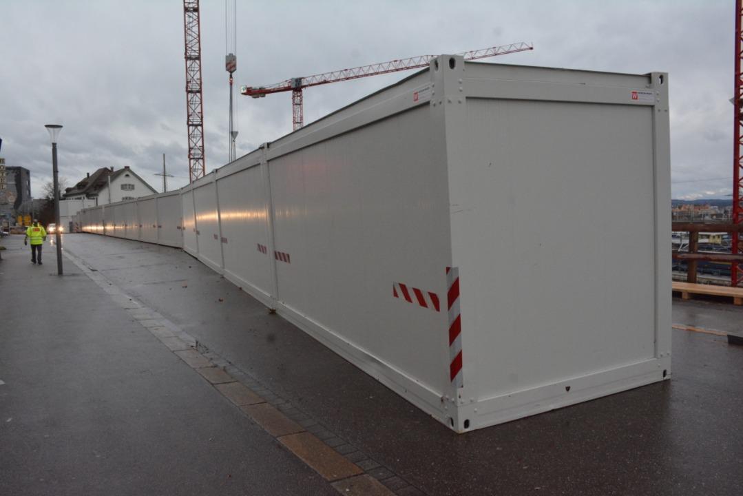 Die nördlichsten vier Container hat de...m auf die Müllheimer Straße geschoben.  | Foto: Hannes Lauber