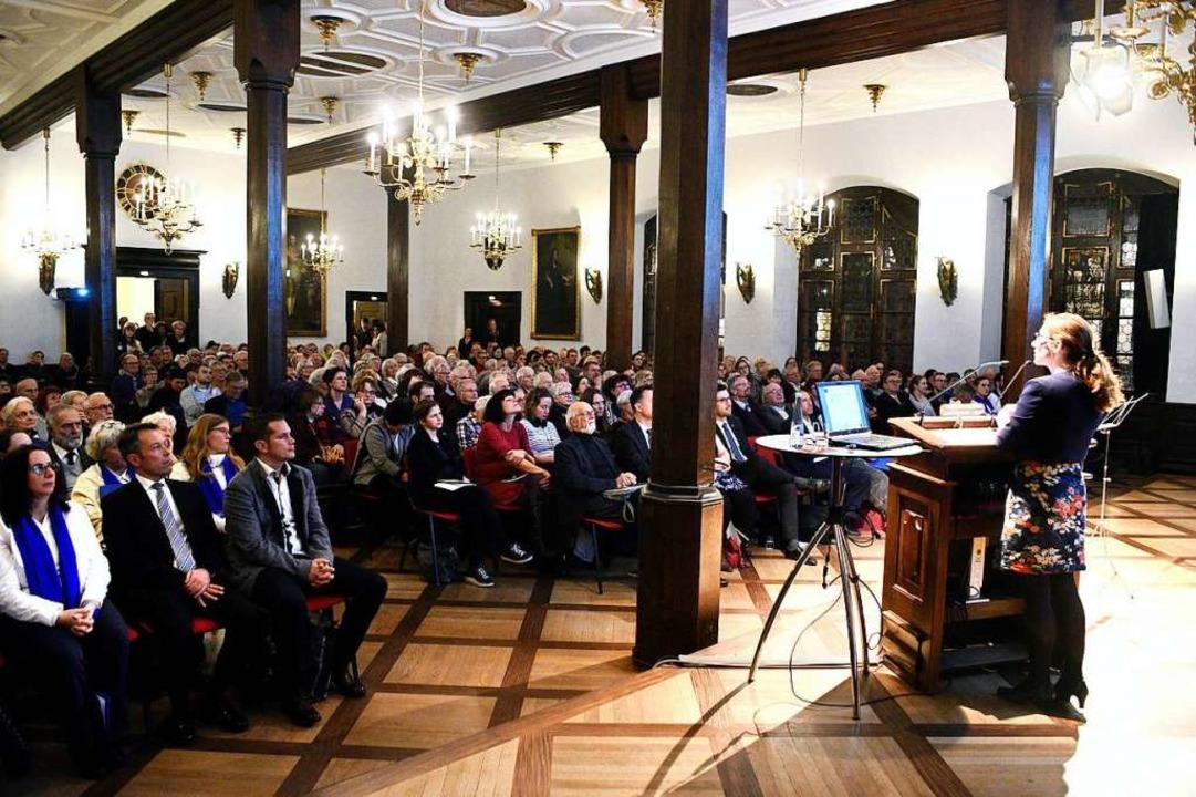 Julia Böcker stellte in ihrem Vortrag ...rgreifung der Nationalsozialisten vor.    Foto: Thomas Kunz