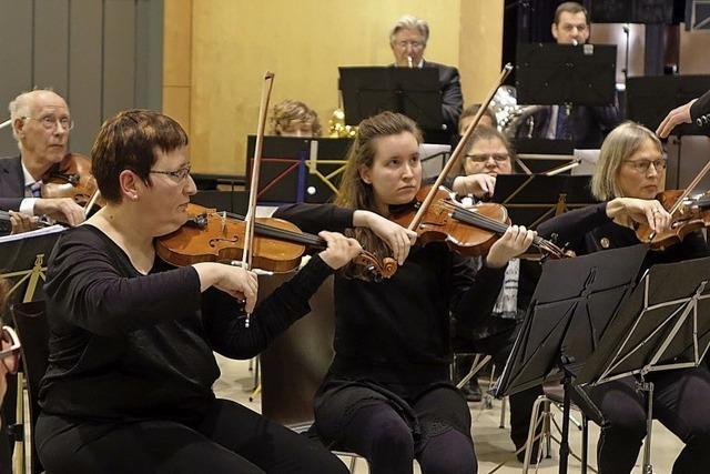 Aktives Orchester für zwei Städte