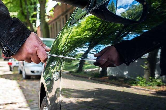 Auto in Lörrach wird mit spitzem Gegenstand zerkratzt