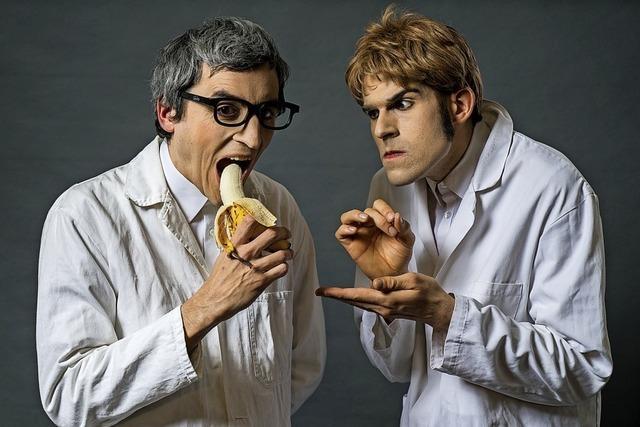 Das Pantomime-Duo Mimikry kommt ganz ohne Worte in den Stiftsschaffneikeller