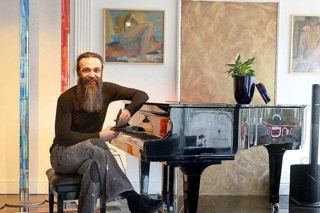 Goran Kojic ist ein Fliesenleger und ein Jazzpianist