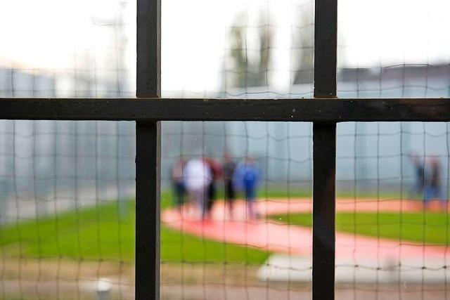 Musste eine Lehrerin zu Unrecht eine Nacht im Gefängnis verbringen?