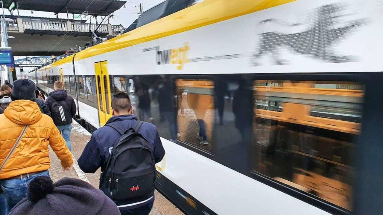 Fahrgäste beschweren sich seit dem Start über das Piepsen der Türen.    Foto: Sebastian Wolfrum