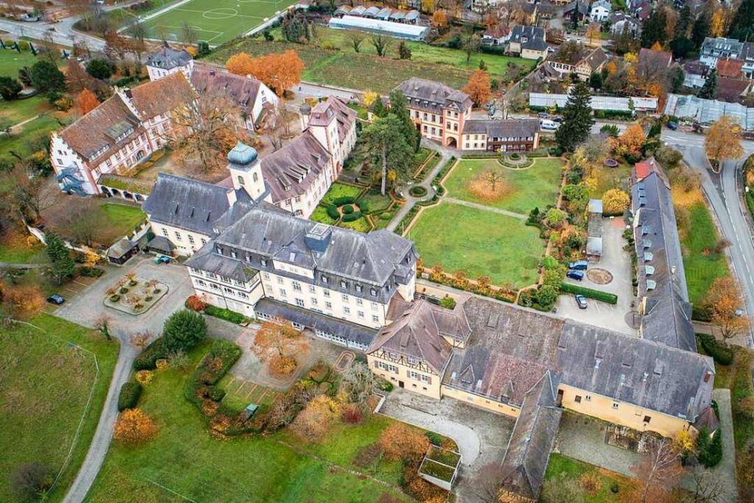 Das Schlossareal in Heitersheim sorgte...nntag soll es eine Entscheidung geben.  | Foto: Matthias Weniger