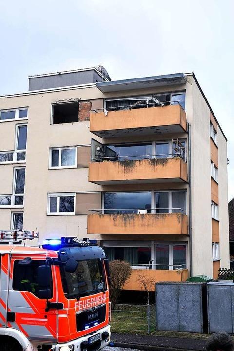 Die Feuerwehr war mit 14 Fahrzeugen und 54 Einsatzkräften vor Ort.  | Foto: Thomas Kunz