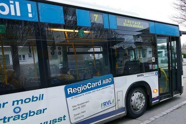 Unfall in Lörrach: 29-jähriger BMW-Fahrer übersieht Linienbus