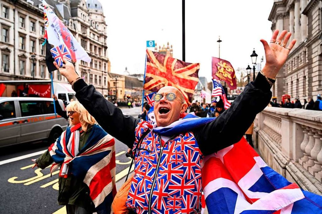 Manche feiern, andere trauern: In der .... Februar verlassen die Briten die EU.  | Foto: GLYN KIRK (AFP)
