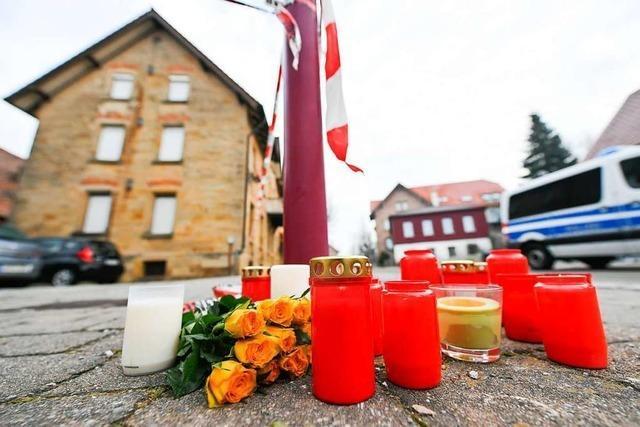 Hunderte Menschen bei Trauerfeier nach Gewalttat von Rot am See