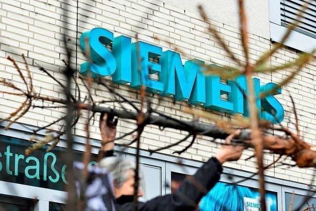 130 Klimaaktivisten demonstrieren gegen Kohle-Deal von Siemens