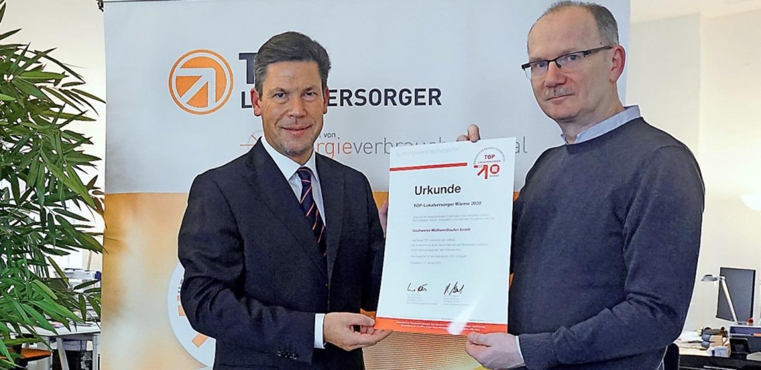 Uwe Pöhls (rechts), Leiter des Energie...ührer der Stadtwerke Müllheim-Staufen.  | Foto: Stadtwerke Müllheim Staufen