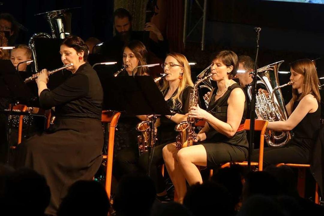 Mit Bravour und glänzender Klangkultur...ßartigen Konzert in der Kandertalhalle    Foto: Roswitha Frey