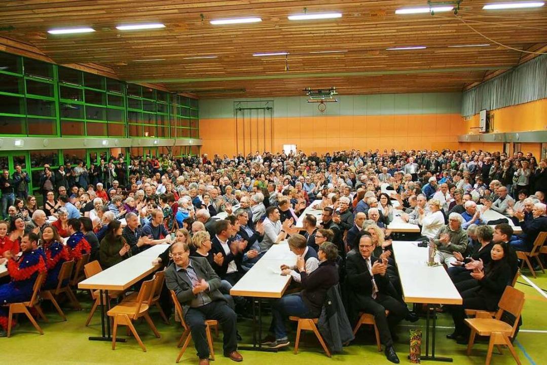 Rappelvolle Sommerberghalle: Die Buche...eben wurde, gab es frenetischen Jubel.  | Foto: Markus Donner