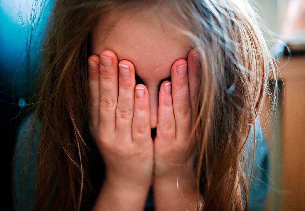 Vor allem Mädchen seien von Depression...die Krankenkasse DAK mit. (Symbolbild)    Foto: Nicolas Armer