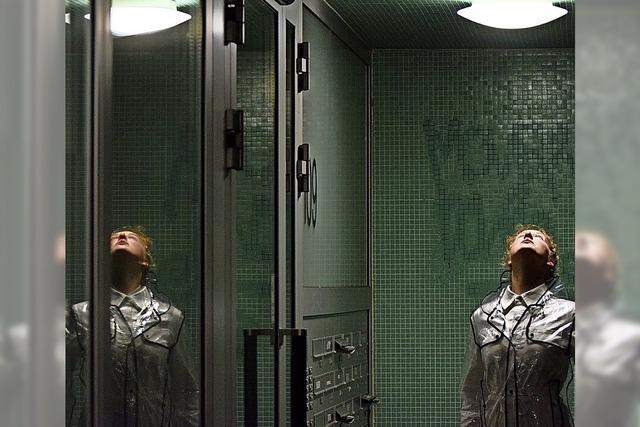 """Die Gruppe Arts Liberated spielt die Theateradaption des Sci-Fi Films """"Solaris"""""""