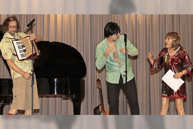 Kabarett-Trio sorgt für ein volles Bürgerhaus