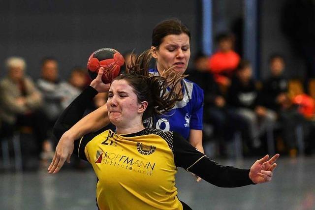 Die Handballerinnen der SG Köndringen-Teningen gewinnen das Aufsteiger -Derby gegen Alemannia Zähringen mit 30:27