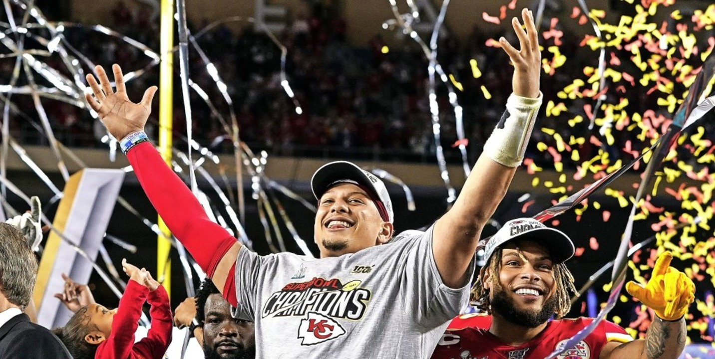 "Super-Bowl-Champion Patrick Mahomes ge... einfach unglaublich"", sagt er.   | Foto: David J. Phillip (dpa)"