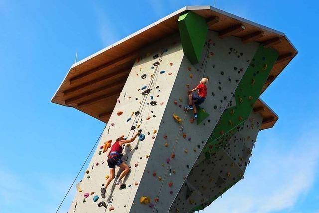 Der Alpenverein bietet wieder Kletterkurse im Bürgerpark an