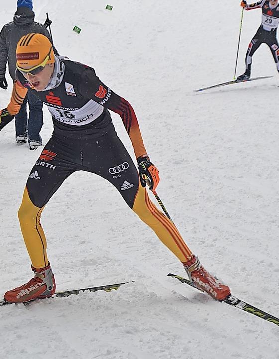 Ein Kämpfer auf der Skatingpiste: Kombinierer Paul Schlegel von der SZ Breitnau  | Foto: Helmut Junkel